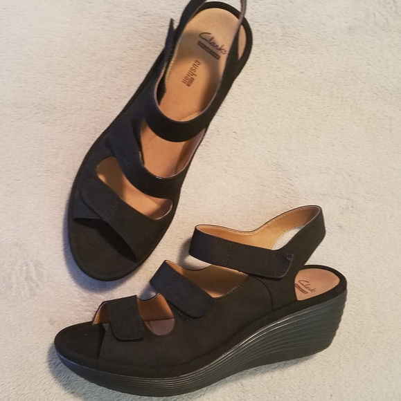 18e92a60dd6f Clarks Shoes - Clarks Soft Cushion Strappy Wedge Sandals 9 1 2W